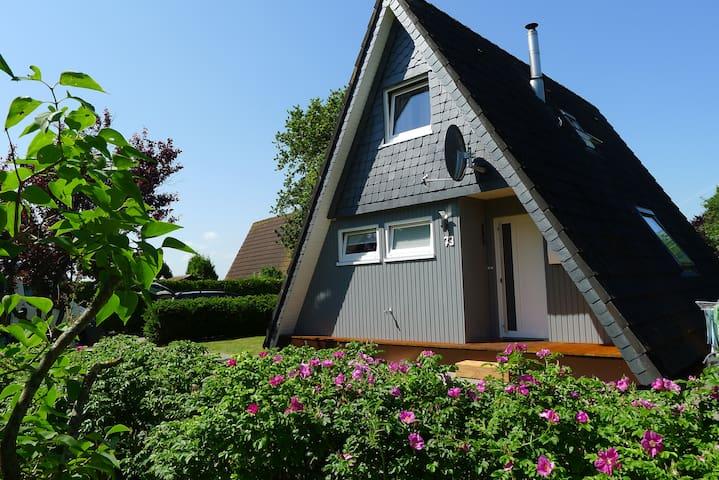 nurdachhaus kamin wlan strandkorb h user zur miete in. Black Bedroom Furniture Sets. Home Design Ideas