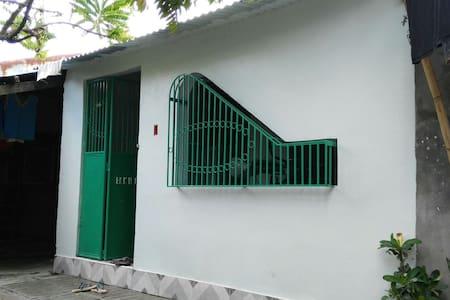Small line house - Casa