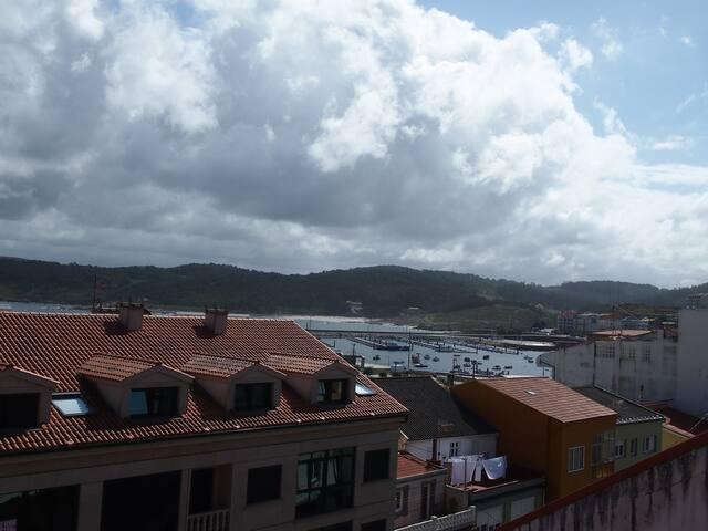 Apartamento nuevo, terraza,vistas al mar,céntrico.