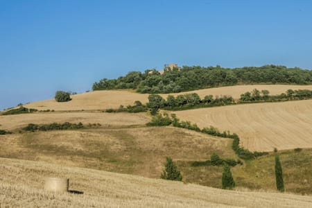 """Pure Relax and stunning view: """"La Cantinetta"""" room - Pienza"""