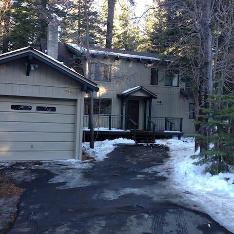 West Lake Tahoe-Hot Tub and Snow - Tahoma - House