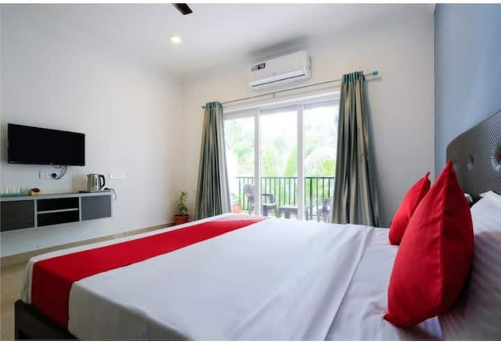 Private Rooms with balcony @Greenview.