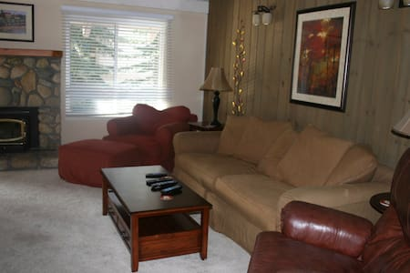 Seasons 4 Cozy 1 BR/loft Condo - Mammoth Lakes