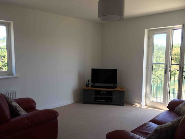 Brand new apartment close to historic Canterbury