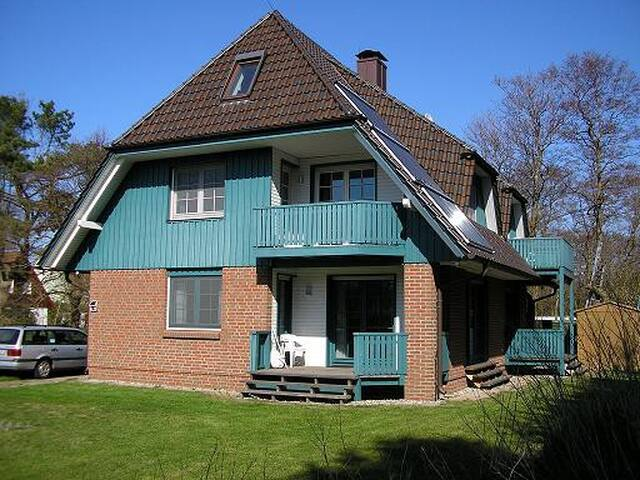 ruhige Ferienwohnung in Prerow - Prerow - Apartamento