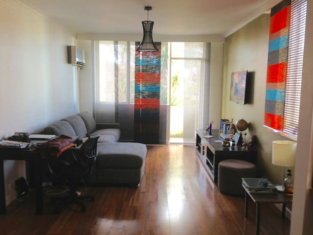 Modern 1BR Apartment St Kilda East - LOCATION A++ - St Kilda East - Apartment