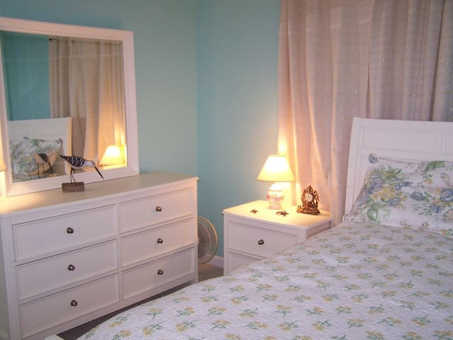 Beach Themed Furnished Room