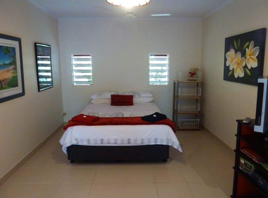 Very spacious bedroom, trundle can be added if there is a third