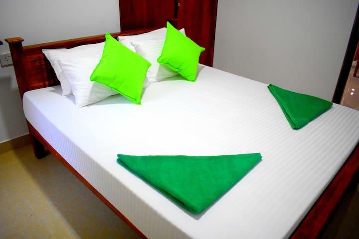 Leonine Villa Yala / Private Double Room