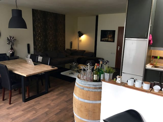 Looking for a flat in the middle of cologne? - Cologne - Apartment