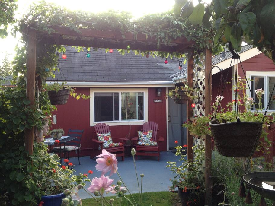 Claddagh Cottage Apartments For Rent In Bellingham