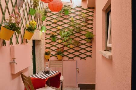 Camões Lounge Apartment w/Courtyard - Lisboa - 公寓
