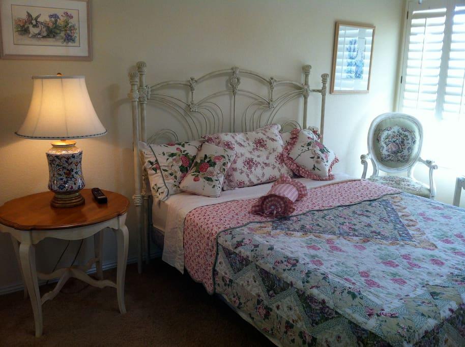 Memory Foam top Queen Size Bed