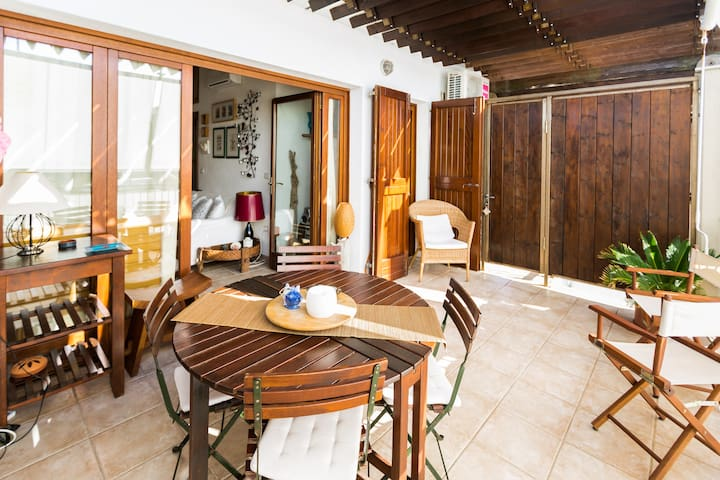 Charming apartment in  Capo Testa - Capo Testa - Apartemen