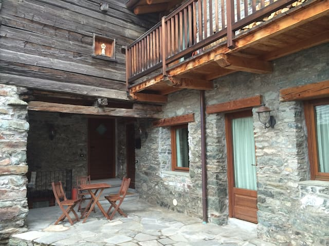 Casa Frachey: appartment for 4/6 - Champoluc - Appartement