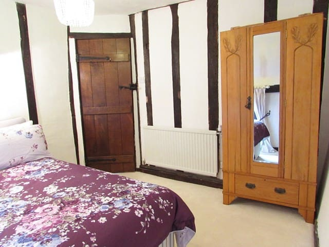 Boutique Luxury Tudor B&B Suite - Close to London - Acton, Sudbury - Pousada