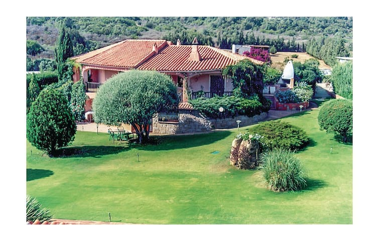 Holiday apartment with 2 bedrooms on 85 m² in Baja Sardinia OT
