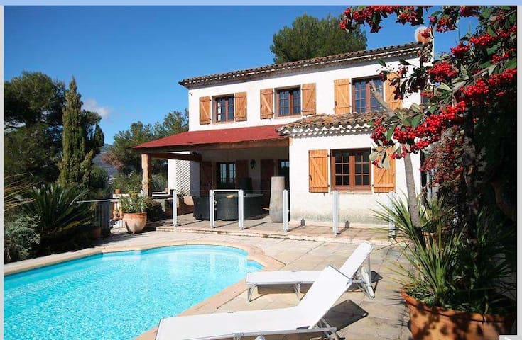 Villa with pool Nice France - Colomars - Hus