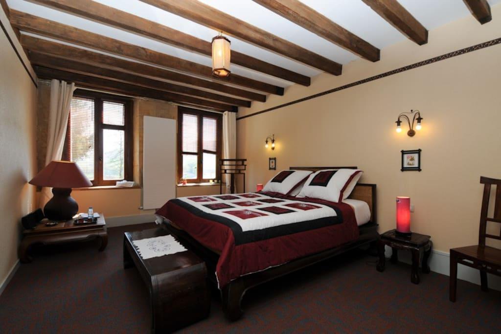 chambre d 39 hotes au clos ardennes pr s charleville chambres d 39 h tes louer balaives et butz. Black Bedroom Furniture Sets. Home Design Ideas