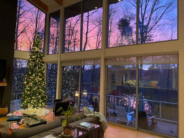 Glass House | Mountain & Water Views @ Wintergreen
