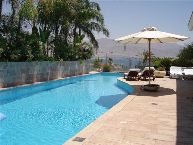 VILLA WITH POOL 20m LENGTH  HEATED , 300m FROM SEA