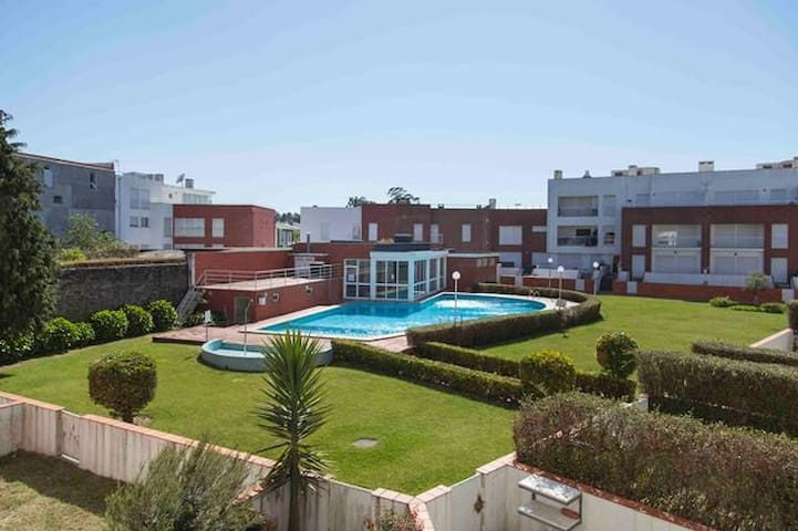Apartment with fantastic pool near the beach