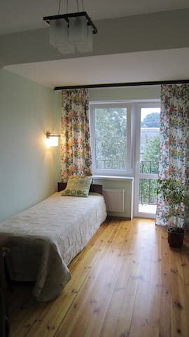 Сute room with own tiny balcony - Zhytomyr - Bed & Breakfast