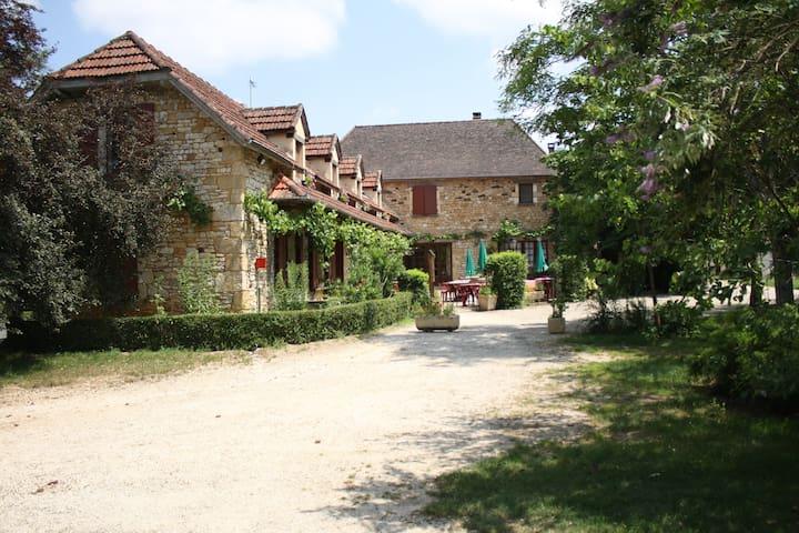chambres d'hôte Chastrusse - Nadaillac-de-Rouge - Bed & Breakfast