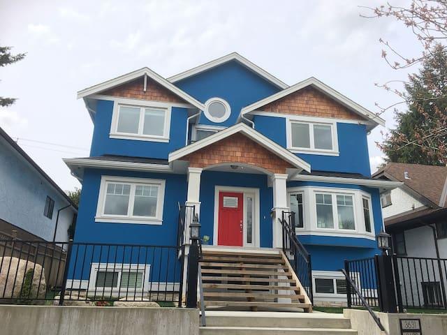 Dunbar Blue House B_Orca
