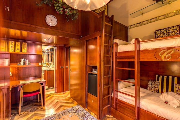 Spagna Loft with extra Bedroom