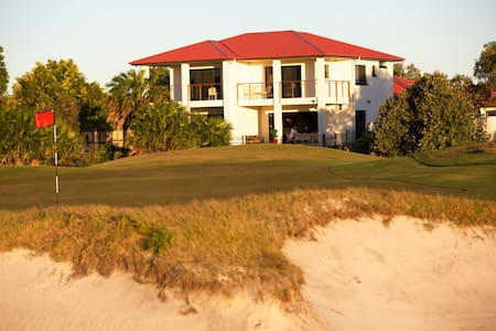 "The Golfer's Lodge - ""The Back 9"" - Weekday Offer - Banksia Beach"