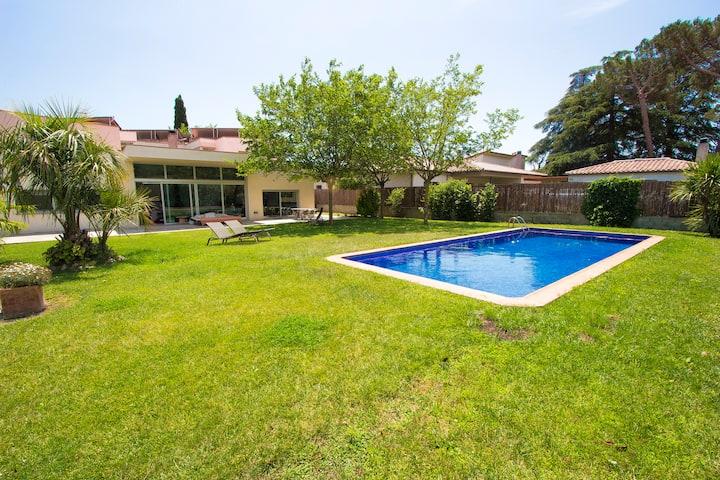 Catalunya Casas: Villa moderne Montseny en Catalogne à 55 km de Barcelone