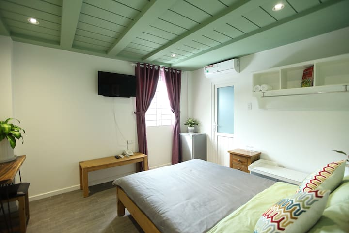 SleepBox Phú Quốc- Double Room with Mountain View