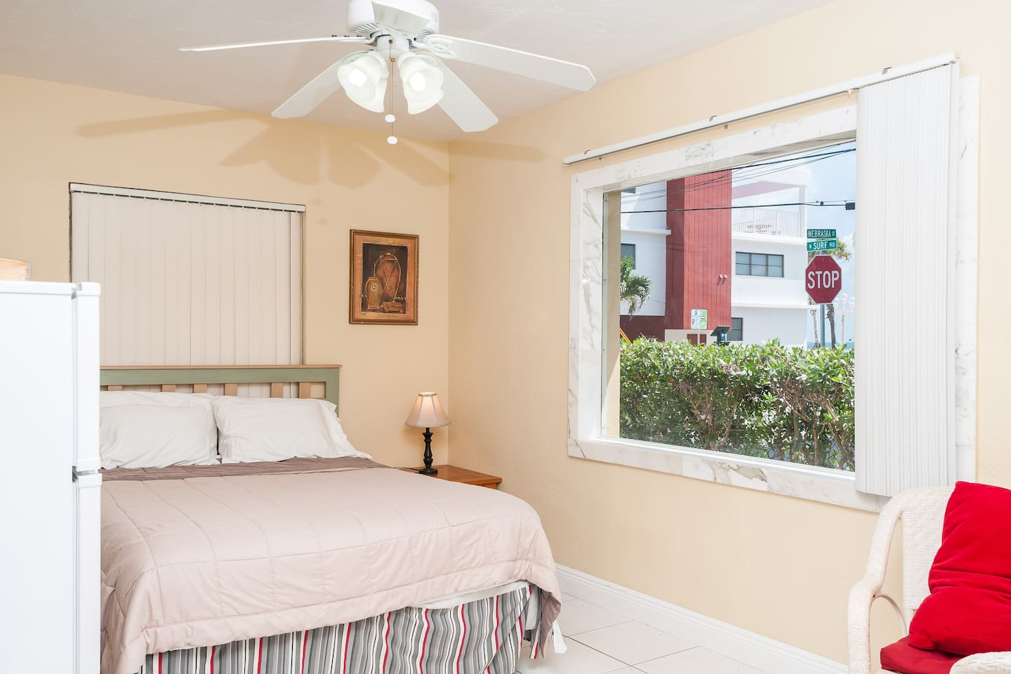 Beach house apartment with newly renovated kitchen, living room and bathroom.