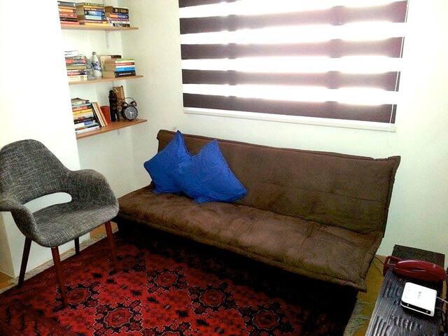 Casual, clean 1 bedroom @ Eastwood - Ciudad Quezón - Apartamento