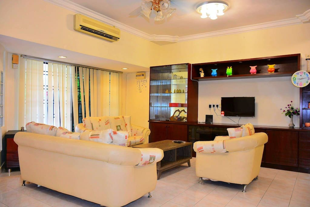 Living area with air-condition.