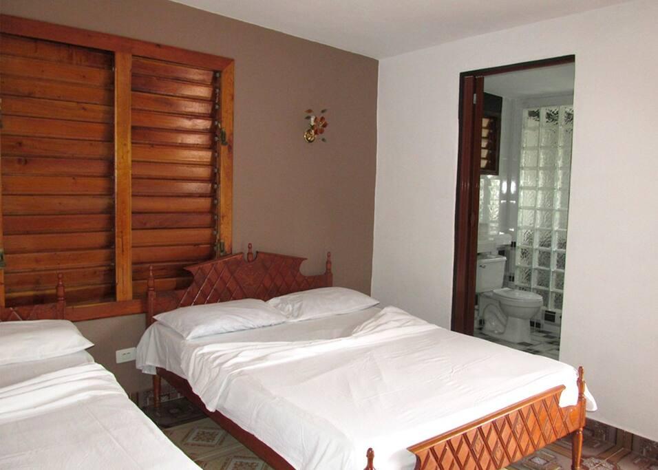 habitacion privada con vista a la montaña
