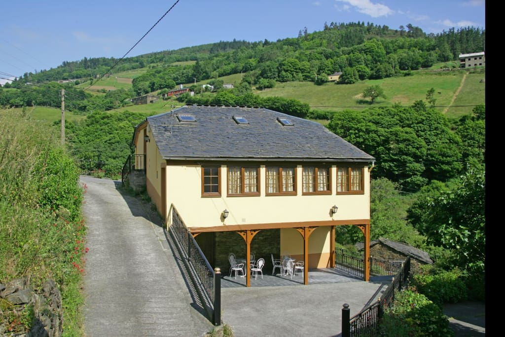 Casa rural taramundi el carballo casas en alquiler en vega de llan principado de asturias - Casa rural carballo ...