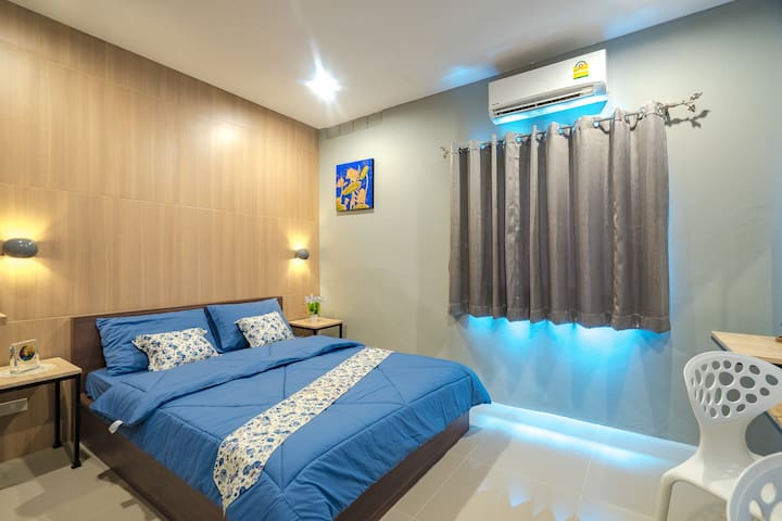 Superior Double Room 339 @ Penyos Residence