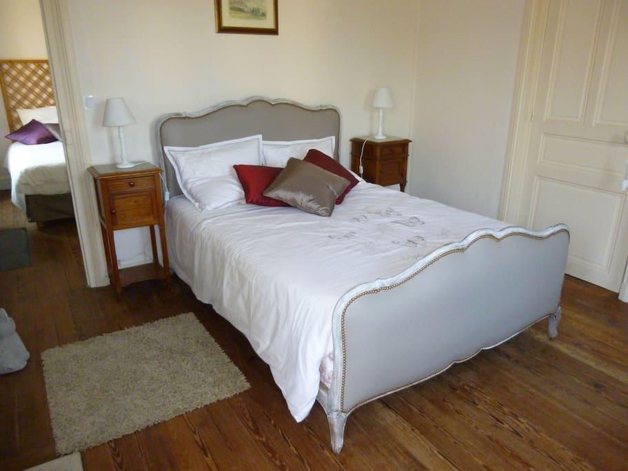 la biscoutie chambre de charme chambres d 39 h tes louer arromanches les bains basse. Black Bedroom Furniture Sets. Home Design Ideas