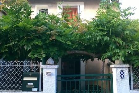 Chambre à louer dans maison - Auterive, Haute-Garonne - Dom