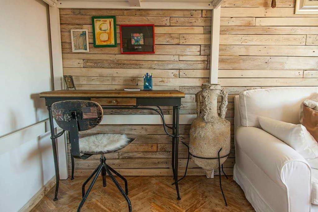 working corner, living room
