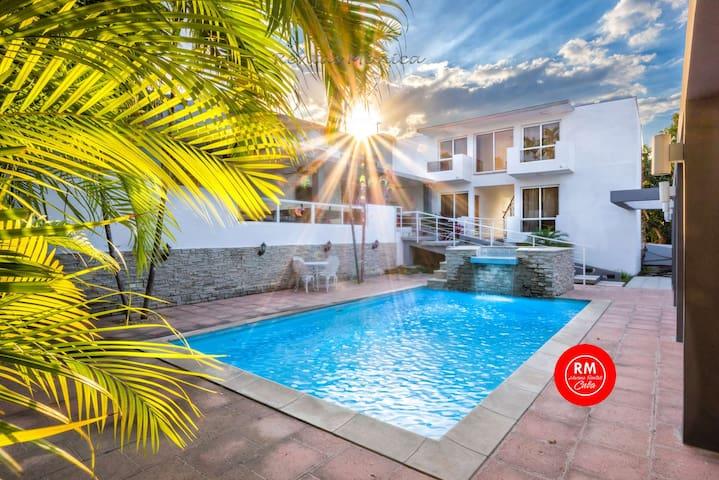 01 Villa Magic WiFi 18 guest (private pool)