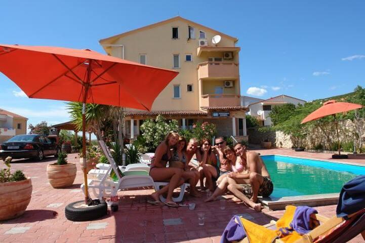 Valerie Apartment2 with pool - Stara Novalja - Rumah