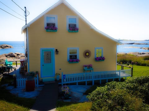 The Saltwater Villa on  the Ocean Greenspond Nl