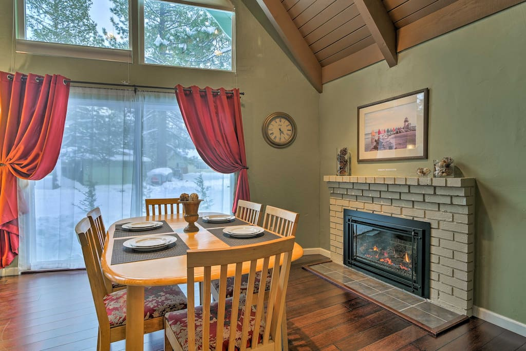 This gas fireplace calls for cozy cuddles and a hot cup of cocoa!