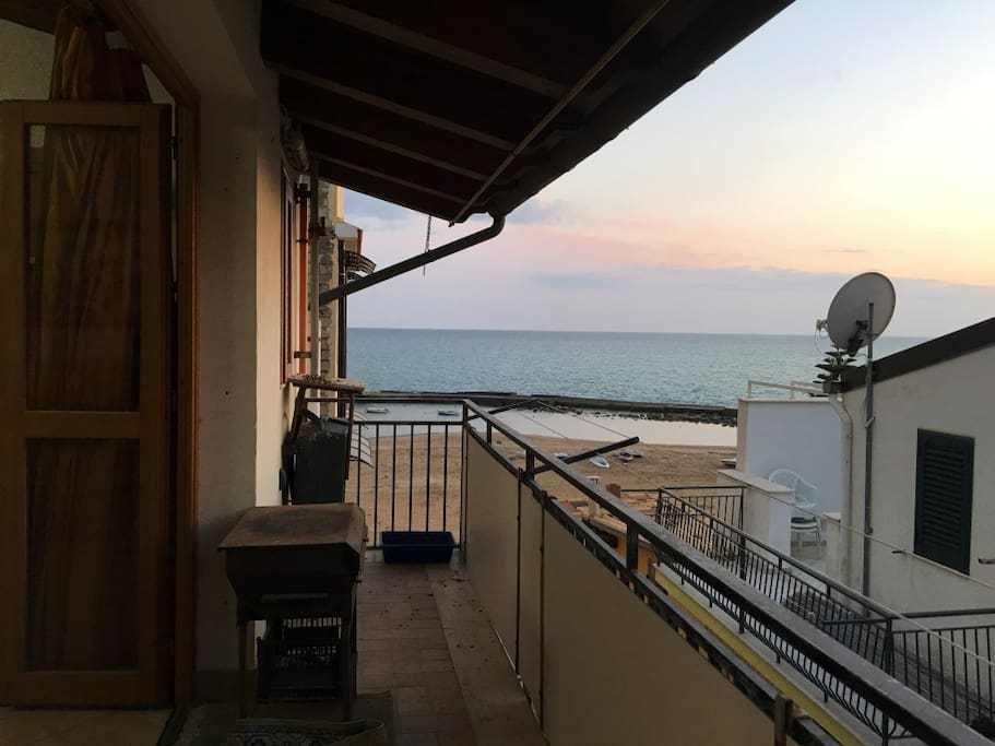 Balcone con vista mare - balcony with sea view