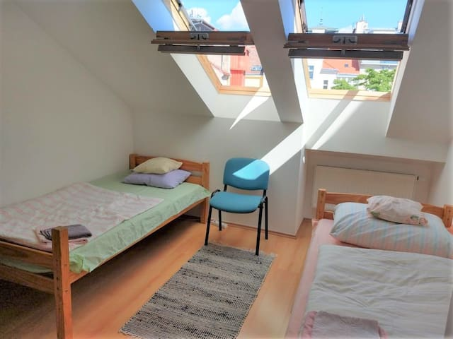 PRIVATE SUNNY ROOM - IN PRAGUE CENTRE!