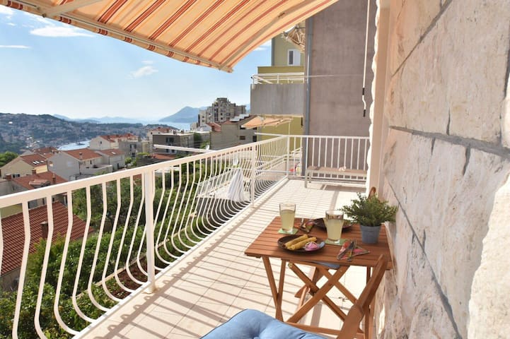 Luxury Bruna with view to the bay +parking