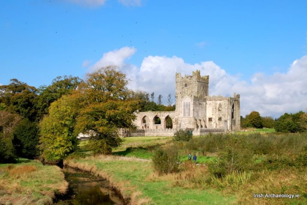Tintern abbey , fantastic walk with lots of beautiful scenery. Approx 10 mins drive from house